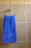 Toalha de mão azul Imagens de Stock