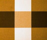 Toalha de mesa bege, da laranja e do Brown do guingão Foto de Stock