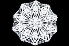 Toalha de mesa branca do laço do retângulo isolada no fundo preto, teste padrão de estrela imagem de stock royalty free