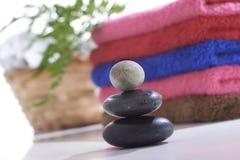 Toalha e pedra estabelecidas Imagem de Stock
