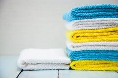 Toalhas coloridas do algodão Foto de Stock Royalty Free