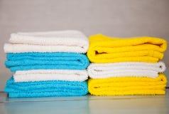 Toalhas coloridas do algodão Fotos de Stock
