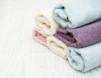Toalhas coloridas dos termas Imagens de Stock