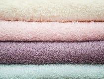 Toalhas coloridas dos termas Imagem de Stock Royalty Free