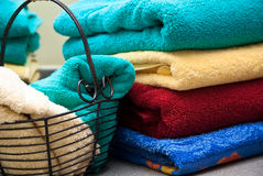 Toalhas de banho coloridas Fotografia de Stock