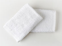 Toallas blancas del balneario Foto de archivo libre de regalías