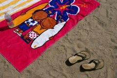 Toallas de la persona que practica surf Foto de archivo libre de regalías