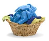 Toallas y cesta sucias Imagen de archivo libre de regalías