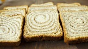 Toast auf einem hölzernen Stand Lizenzfreies Stockfoto