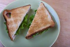 Toast auf einer Platte Stockbild
