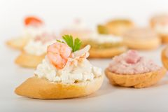 Toast with cottage cheese and shrimp Royalty Free Stock Photos