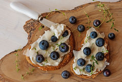 Toast with creamcheese and berries Royalty Free Stock Photos