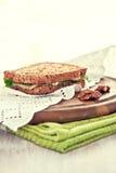 Toast mit Birne und Blauschimmelkäse Lizenzfreie Stockfotos