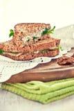 Toast mit Birne und Blauschimmelkäse Stockfoto