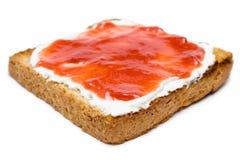 Toast mit Butter und Störung Stockfotos
