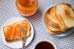 Toast mit Marmelade stockbild