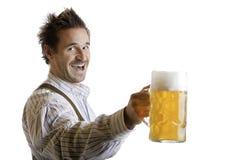 Toast mit Oktoberfest Bier Stein (Masse) lizenzfreie stockfotos
