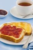 Toast und Tee Lizenzfreies Stockbild