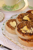 toasted чай crumpets завтрака Стоковая Фотография