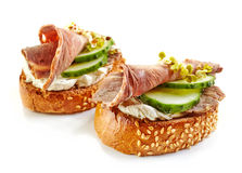 Toasted bread with roast beef and cucumber Royalty Free Stock Photography