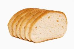 Toasten Sie das Weizenbrot geschnitten lokalisiert auf weißem Hintergrund Stockfotografie