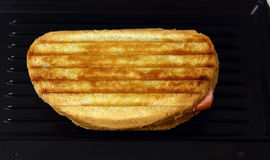 Toaster with toast Royalty Free Stock Images