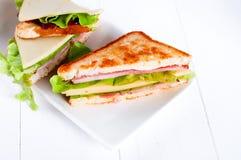 Toastsandwich mit Wurst lizenzfreies stockbild