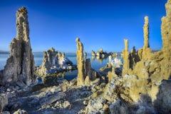 Toba volcánica, mono lago, CA Imagenes de archivo