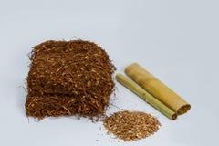 Tobak med cigarillen Royaltyfri Foto