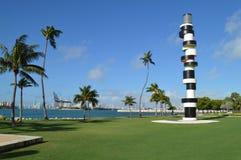 Tobias Rehberger latarni morskiej Uparta rzeźba, południe punktu park, Miami plaża zdjęcie royalty free
