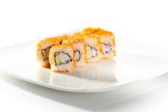 Tobiko-Sushi-Rolle Stockbilder