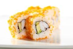 Tobiko-Sushi-Rolle Stockfotos