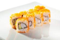 Tobiko-Sushi-Rolle Lizenzfreie Stockfotos