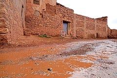 Tobius在阿特拉斯山脉的` s qasba在雨以后的摩洛哥 免版税库存图片