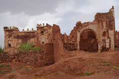 Tobius在阿特拉斯山脉的` s qasba在雨以后的摩洛哥 库存图片