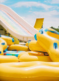 Tobogan, glissière d'eau, vacances d'été Photos libres de droits