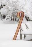 Toboggan im Schnee Lizenzfreies Stockfoto