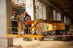 Tobolsk,俄罗斯- 5月29 2018年:Sibur公司 建厂处理的碳氢化合物 水力流动建筑 免版税库存照片