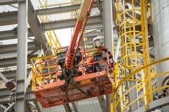 Tobolsk,俄罗斯- 5月29 2018年:Sibur公司 建厂处理的碳氢化合物 水力流动建筑 库存照片