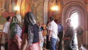 Tobolsk, Ρωσία - τον Ιούλιο του 2016: Χριστιανική εκκλησία μέσα απόθεμα βίντεο