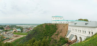 Tobolsk, panorama: porta, rio, cidade inferior Imagens de Stock Royalty Free