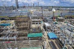 Tobolsk, Rússia - 16 de julho 2017: o ` do ` SIBUR da empresa Construção em grande escala do complexo químico do gás Imagens de Stock