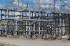 Tobolsk, Rusia - 16 de julio 2017: el ` del ` SIBUR de la compañía Construcción en grande del complejo químico del gas Fotos de archivo libres de regalías