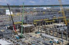 Tobolsk, Russland - 16. Juli 2017: das Firma-` SIBUR ` Umfangreicher Bau des chemischen Komplexes des Gases Lizenzfreie Stockfotografie