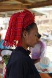 Tocado tradicional del rojo del Shan Fotografía de archivo libre de regalías