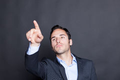 Tocando em uma tela virtual fotos de stock royalty free