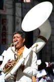 Tocar la trompeta Fotos de archivo libres de regalías