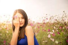 Tocchi il fiore Immagine Stock