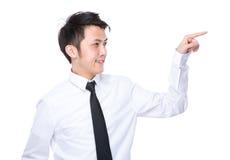 Tocco dell'uomo d'affari sul pannello immaginario Fotografie Stock