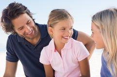 Tochter, die mit Mutter spricht Lizenzfreie Stockfotos